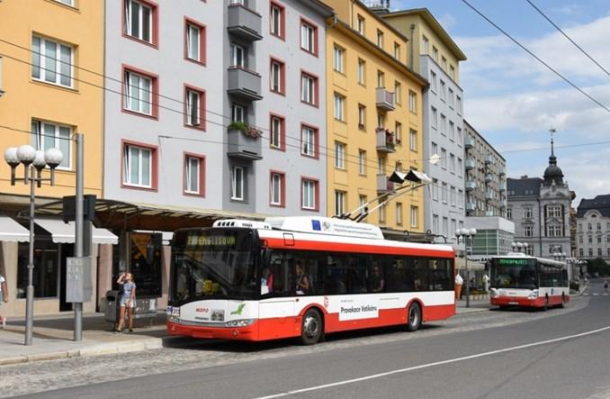 Jedność ZSRR i NRD – głoszą trolejbusy w czeskiej Opawie
