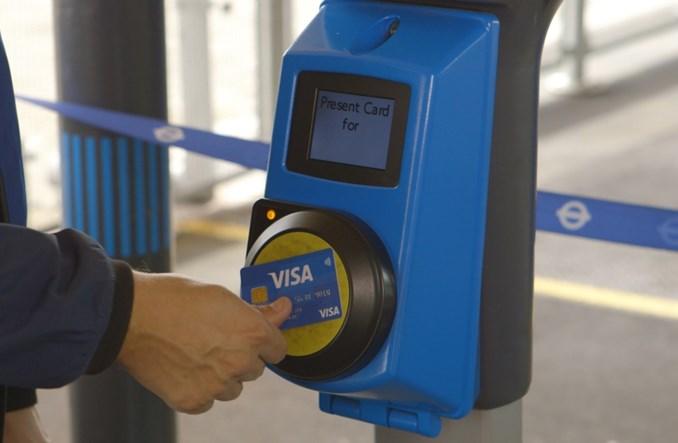 Dlaczego miasta decydują się na kartę płatniczą jako bilet