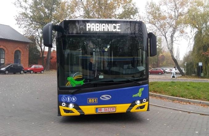 Pierwsza z 18 hybryd w Pabianicach. Pierwszy Solaris po liftingu