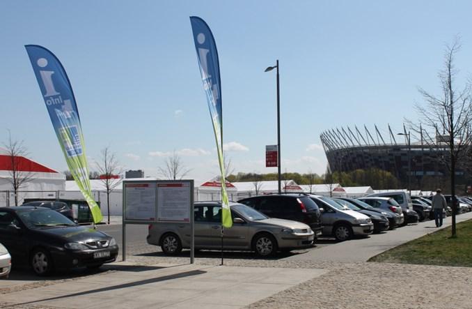 Warszawa: Miejsce parkingowe luksusem – także dla niepełnosprawnych