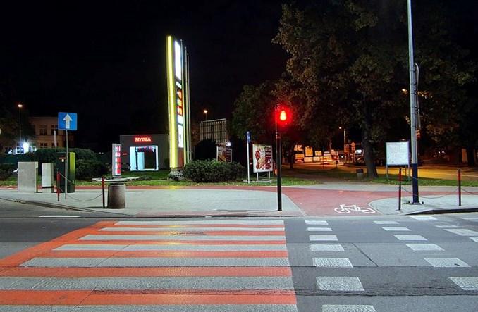 """MI: Nie dla przechodzenia na czerwonym świetle. """"To wymaga kultury"""""""
