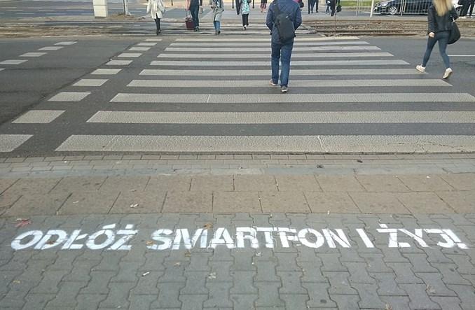 Warszawa. Coś się ruszyło. Znacznie mniej ofiar wypadków