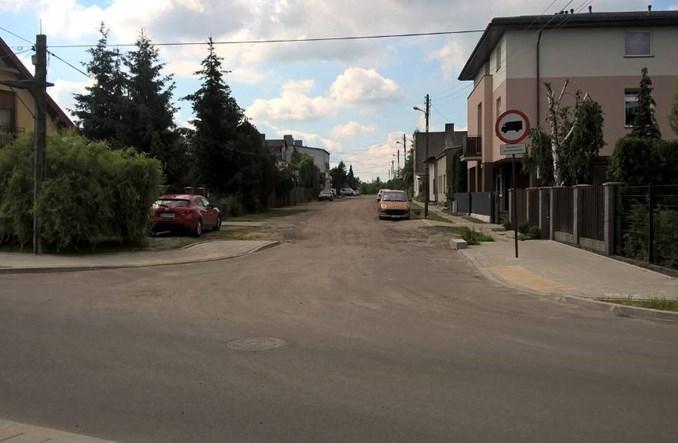Łódź utwardza drogi gruntowe – część z opóźnieniem