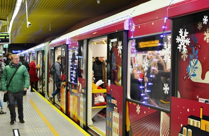 W metrze ruszyły dwa pociągi świąteczne [zdjęcia]