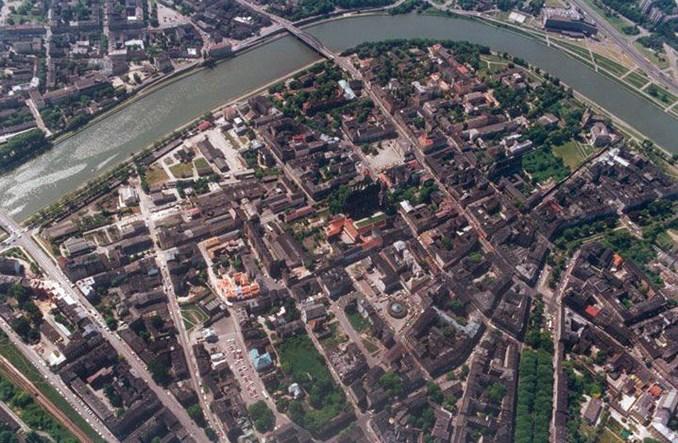 Kraków pierwszym miastem ze strefą czystego transportu. Na pół roku
