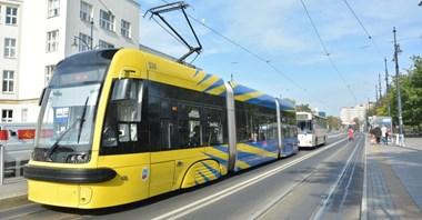 Toruń: Trzy oferty na 73 tablice systemu informacji pasażerskiej