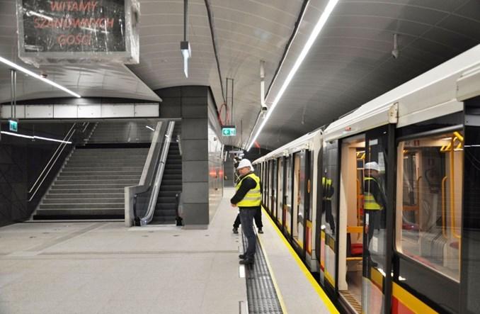 Na Targówek wjechał pierwszy testowy pociąg metra