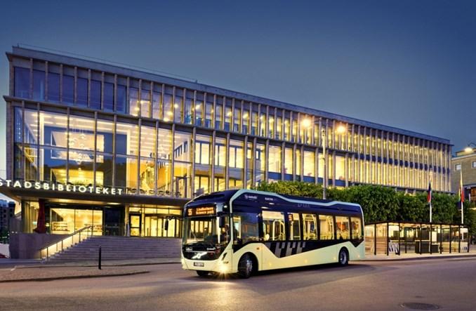 Göteborg. Elektryczne autobusy Volvo jako mobilne biblioteki