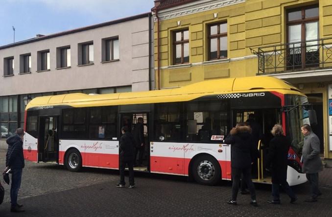 Konin. Autobus hybrydowy Volvo z Inowrocławia na testach