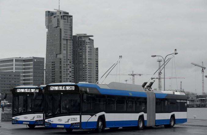 Pierwsze nowe przegubowe trolejbusy wożą pasażerów w Gdyni