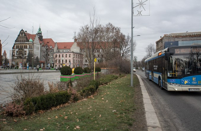 Bezpłatna komunikacja w Legnicy. Trzymający w napięciu thriller ze szczęśliwym zakończeniem