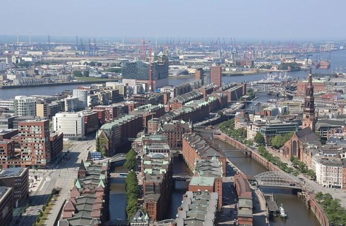 Hamburg też walczy z podwożeniem dzieci autem do szkoły