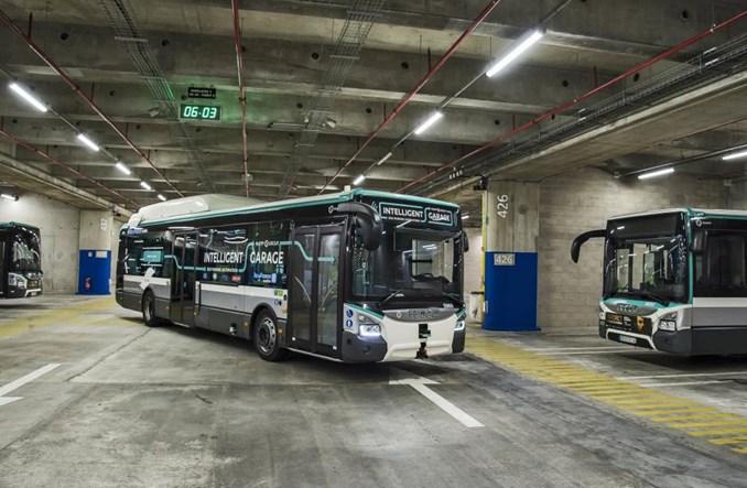 Paryż. Zajezdnia autobusowa w centrum miasta? To ma sens