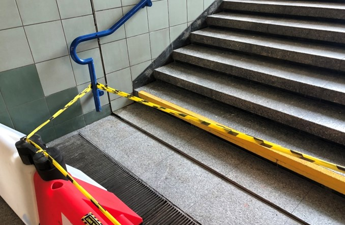 Metro wystąpi z roszczeniami dot. uszkodzonego wejścia na Świętokrzyskiej