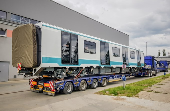 Dwudziesty pojazd metra w drodze z Newagu do Sofii