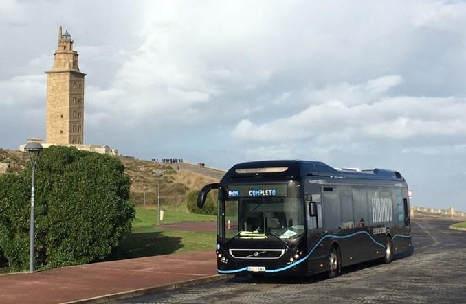 Volvo chwali się popytem na autobusy hybrydowe