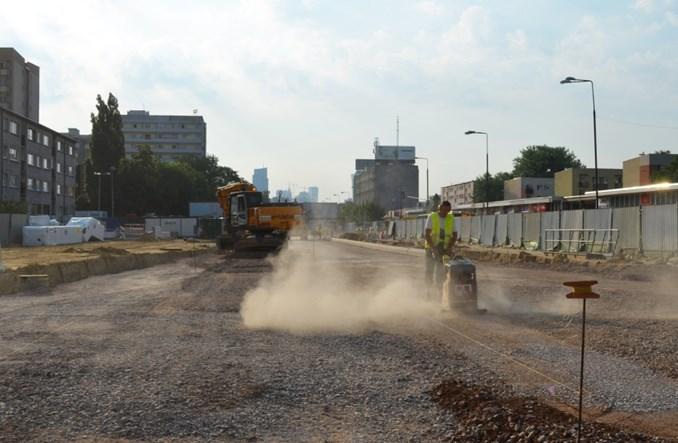 Budowa metra na Woli. 80% torów już na swoim miejscu [zdjęcia]