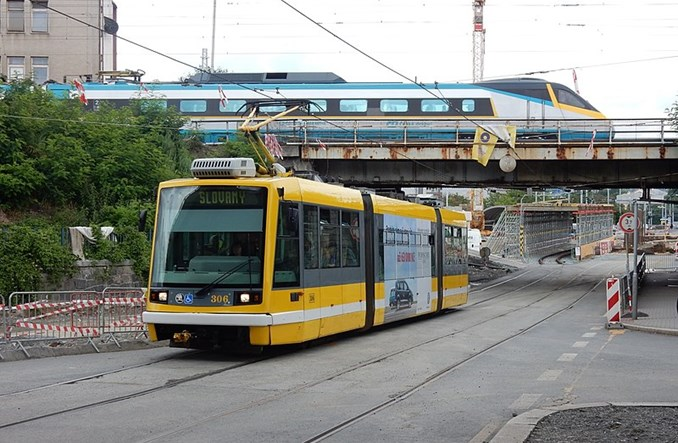 Pilzno kupuje 34 tramwaje i 34 trolejbusy za pieniądze EBI