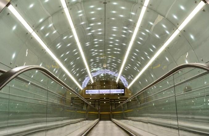 Ponad 4 tys. ruchomych schodów i chodników w Polsce. Gdzie najdłuższe?