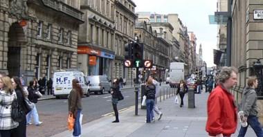 Glasgow rusza z pilotażem. Zamknięte drogi w pobliżu szkół
