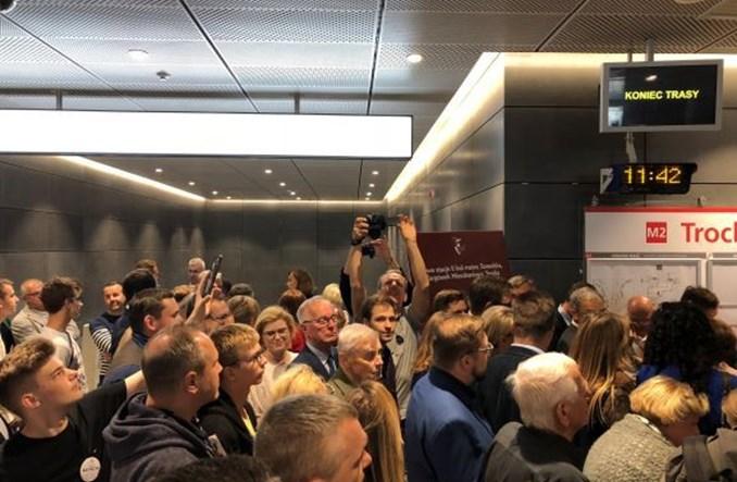 Metro dojeżdża na Targówek. Trzy nowe stacje otwarte