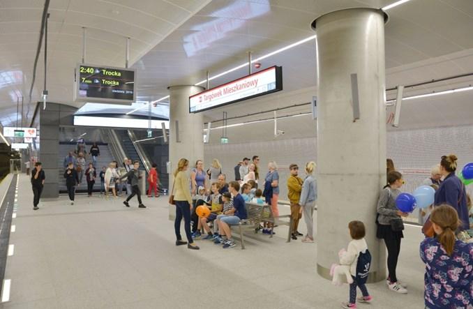 Metro na Targówek: Pasażerów przybywa. 170 tys. podróżnych na II linii