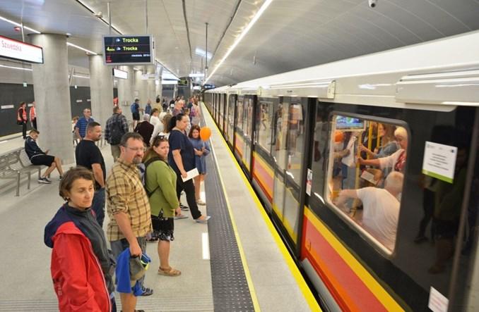 Metro na Targówek: W dniu otwarcia 3,5-krotnie więcej pasażerów II linii niż zazwyczaj
