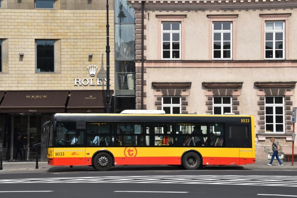 Warszawa: Szczepienia na stacjach metra i specjalny autobus
