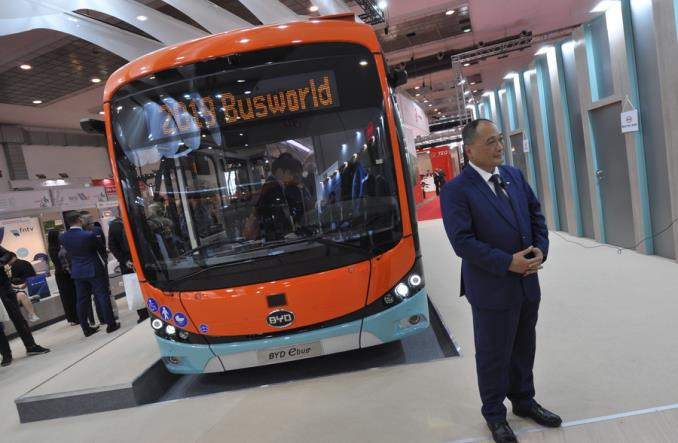 BYD na Busworld 2019 z udoskonalonym 12-metrowym elektrykiem [zdjęcia]