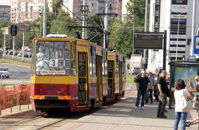 Łódź: Sieć trakcyjna na ul. Warszawskiej zdjęta