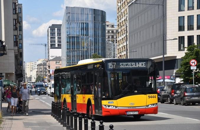 Sąd: Odszkodowanie dla pasażera za spóźniony autobus miejski