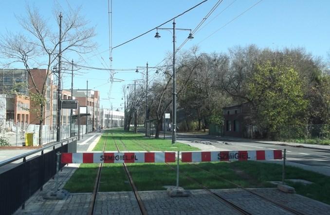 Łódź: Koniec przebudowy Dąbrowskiego. Tramwaj wraca po 3 latach