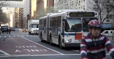 Nowy Jork. Autobusy z kamerami. Nagrają piratów na buspasach