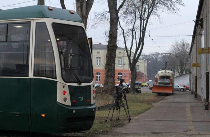 """MPK Łódź: Prezentacja technicznej """"bulwy"""" [zdjęcia]"""
