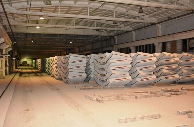 Metro: Pierwsze elementy tarczy TBM jadą na Bródno. Przygotowania do drążenia (zdjęcia)