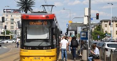 Warszawa: Bez podwyżek biletów ZTM. A co z cięciami w niedziele?