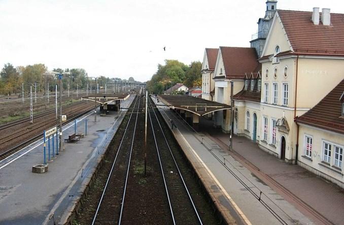 Grodzisk Maz.: Na dworcu kolejowym stanął... książkomat