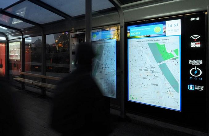 Krakow Innowacja Na Przystankach Mapy Z Pojazdami Online