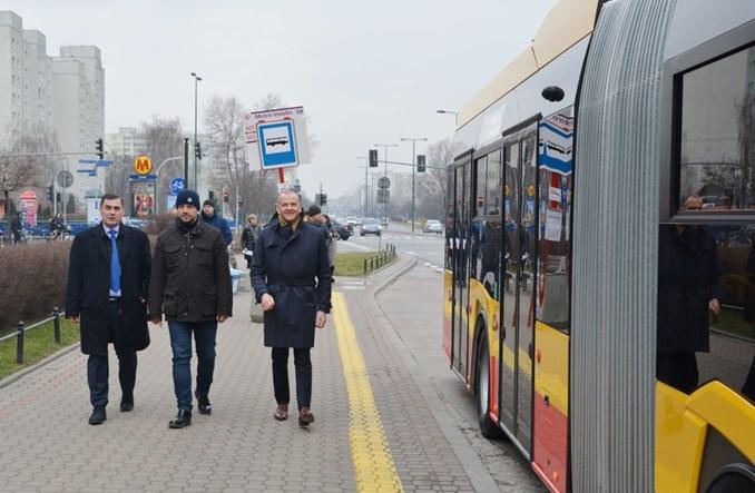 Warszawa: Pierwszy przegubowy elektrobus z wielkiej umowy wyrusza  na miasto