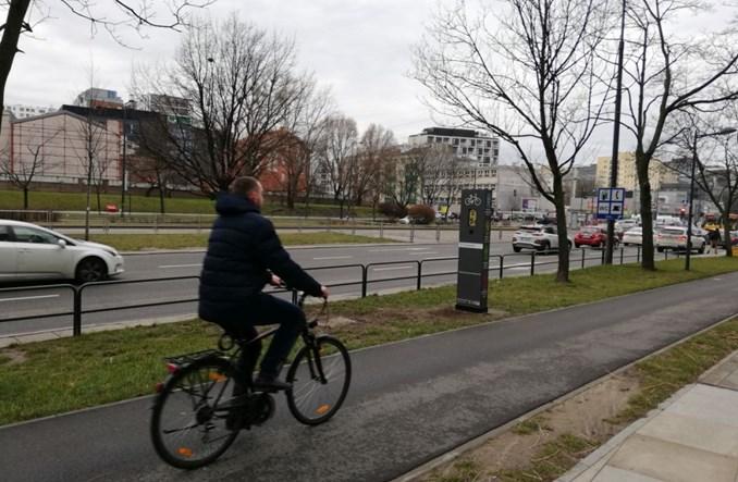Warszawa. Jest pierwsza trasa z syrenkami na totemach. Okopowa-Towarowa