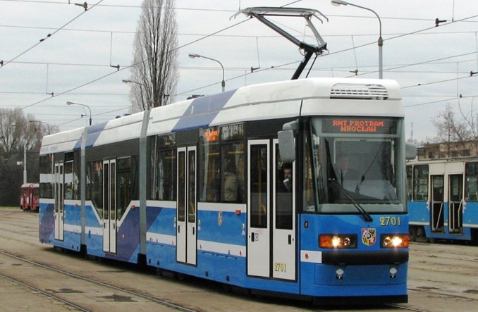 Wrocław: WrAs po remoncie jak Moderus. Trzy wariant malowania