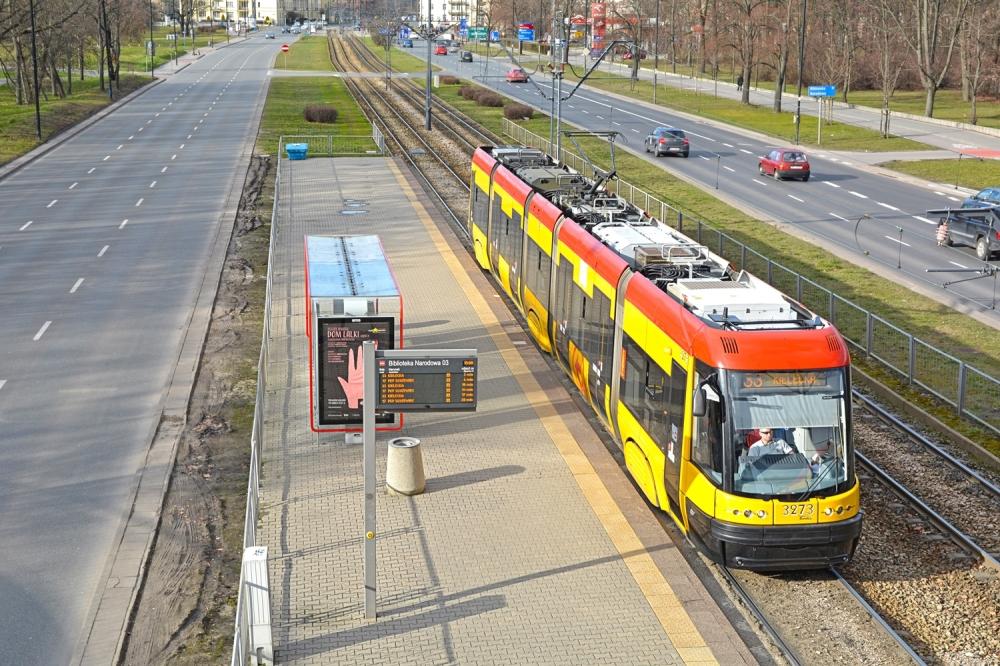 Trzaskowski: Wsparcie z KPO tylko na autobusy. Tramwaje poszkodowane