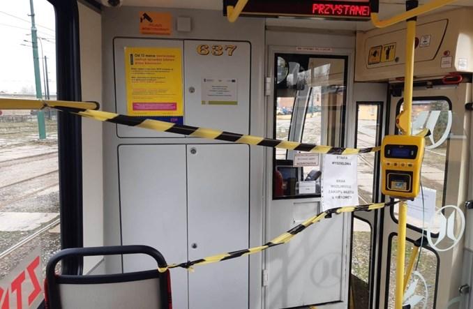 Tramwaje Śląskie proszą o samodyscyplinę. Motorniczy nie ruszy, gdy pasażerów będzie za dużo