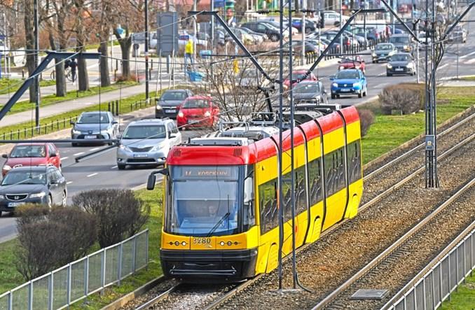 Warszawa: Rano ok. 30 zatrzymań. Za dużo pasażerów w tramwajach