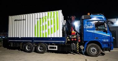 Megastacja ładowania Ekoenergetyki jedzie do Holandii. Zasili 20 autobusów na raz