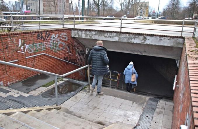 Sosnowiec: Przejście pod rondem Zagłębia Dąbrowskiego także do remontu