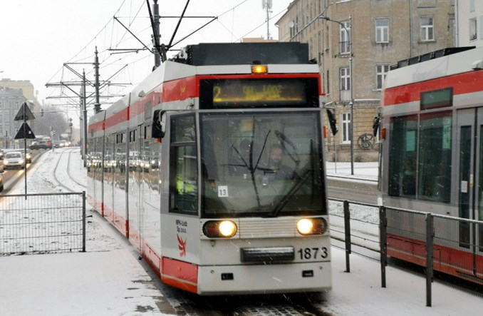 Łódź: Dwójka częściej niż przed epidemią. Początek odwrotu od cięć?