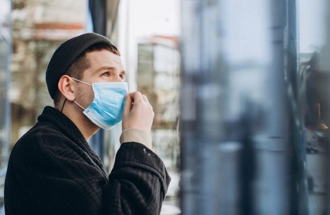 COVID-19 i smog idą w parze. 78% zgonów na terenach zanieczyszczonych