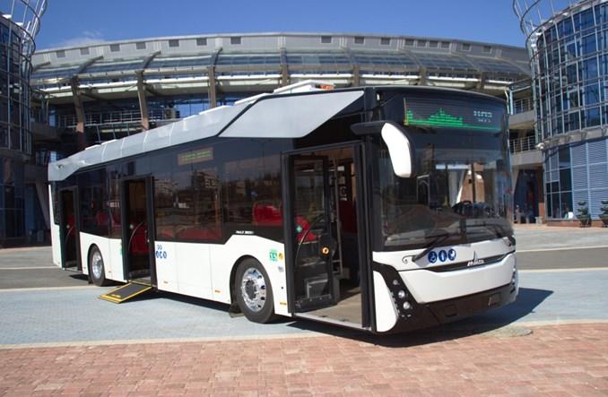 Białoruski MAZ pokazuje swój pierwszy elektrobus i porównuje do żubra
