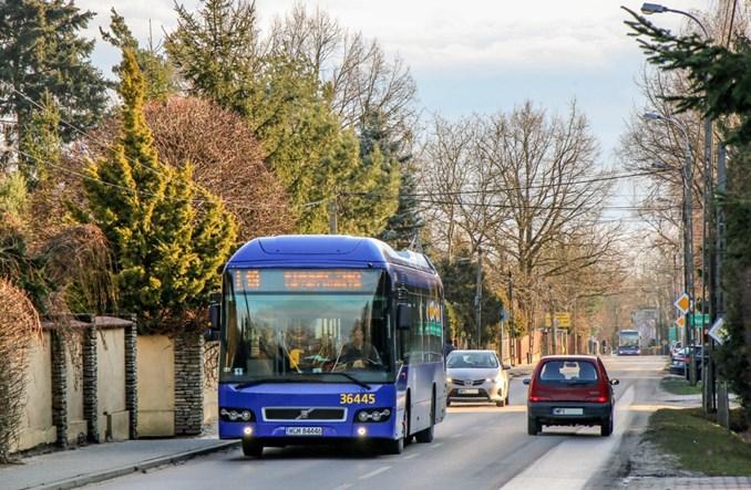 Linie lokalne ZTM Warszawa na dłuższych trasach w Prażmowie. W zamian za busy
